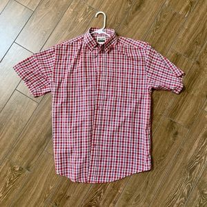 Wrangler short sleeve button down shirt